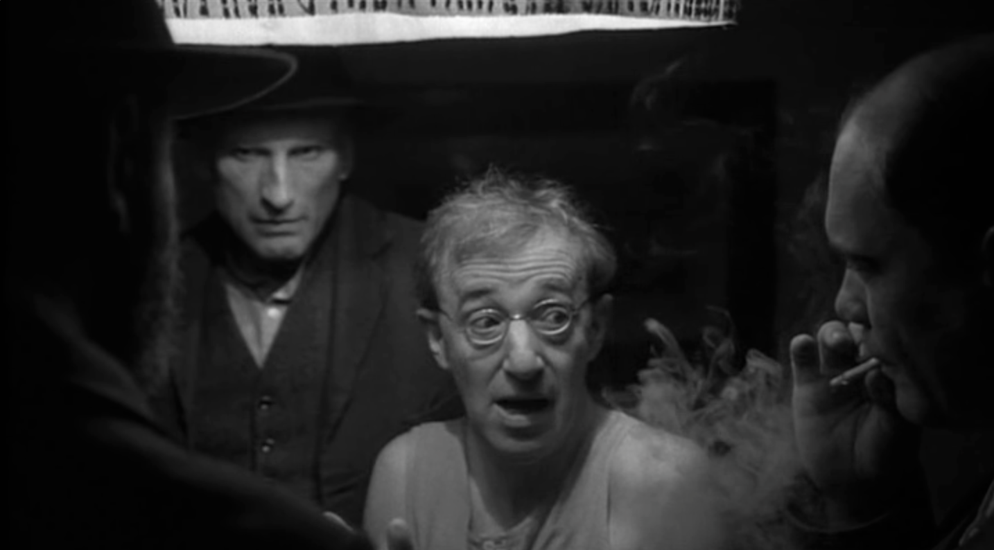 Woody Allen in Shadows And Fog