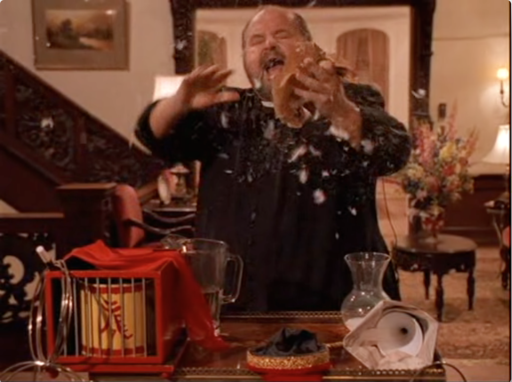 Dom DeLuise in Don't Drink The Water