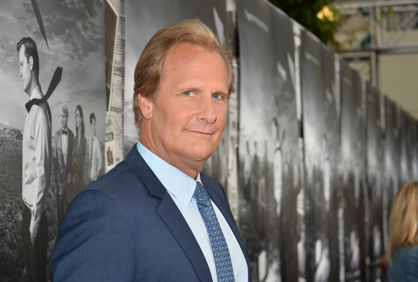 Jeff+Daniels+Newsroom+Season+2+Premiere+Hollywood+KWR3TXcMUVdl