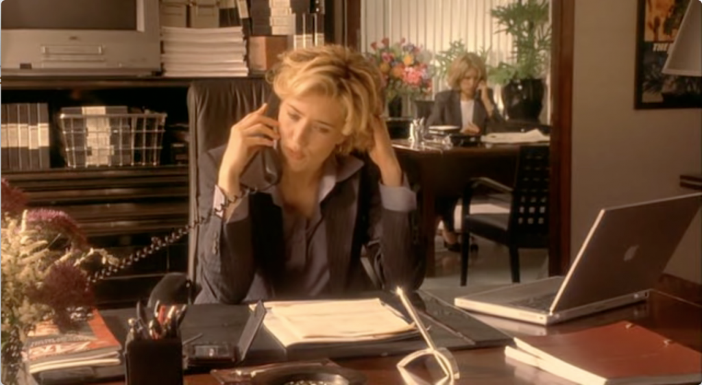 Téa Leoni in Hollywood Ending