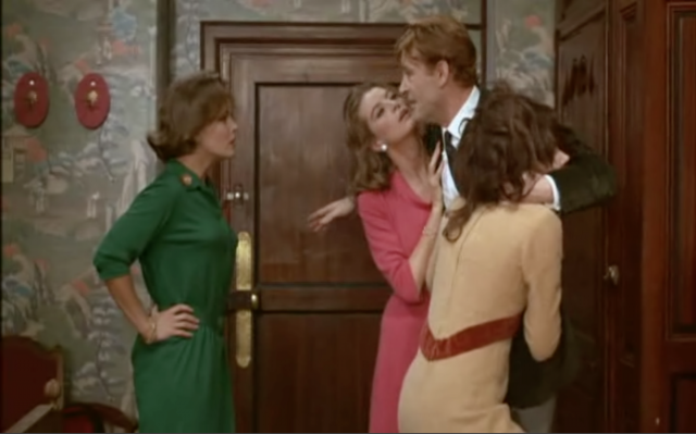 Peter O'Toole having farcical fun in 'What's New Pussycat?'