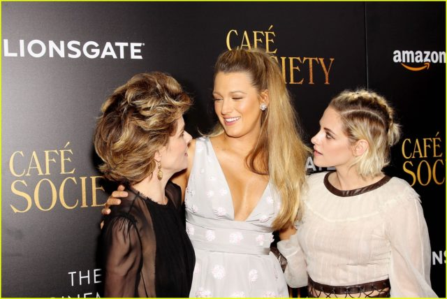 blake-lively-cafe-society-premiere-26